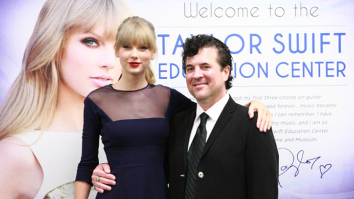 Taylor Swift Opens Education Center at Country Music Hall of Fame