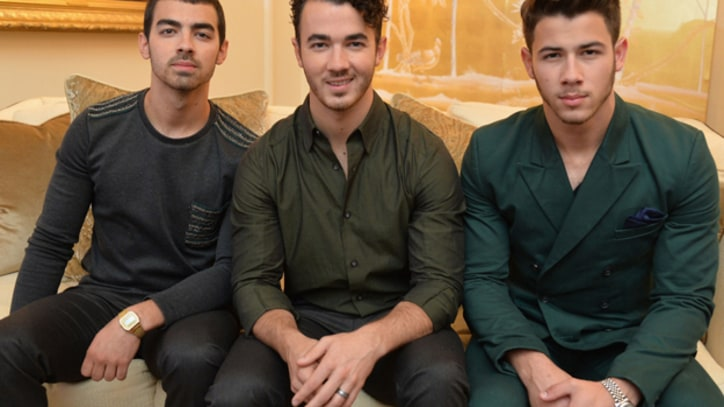 Jonas Brothers Break Up