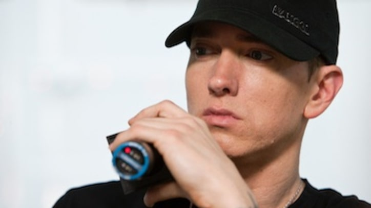 Eminem Finally Apologizes to Mom on 'Headlights'