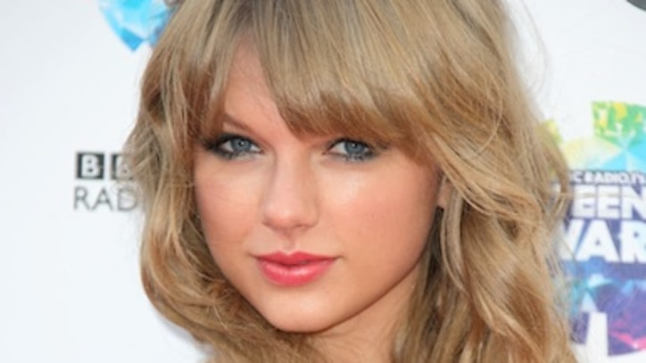Taylor Swift to Receive Ultra-Prestigious Country Music Award