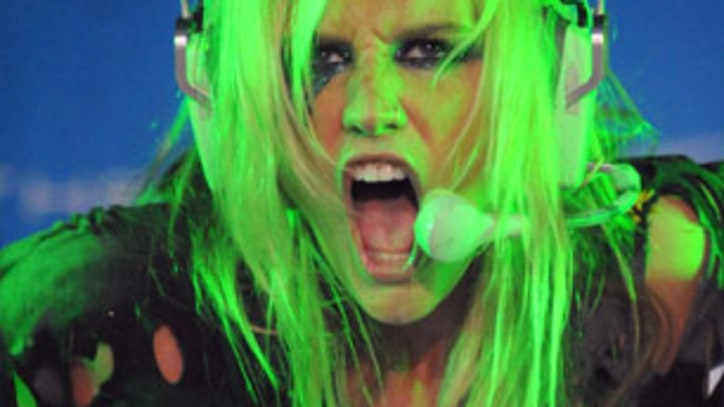 Digest: Ke$ha to Release New Remix Album; Justin Bieber Auctions His Hair For Charity