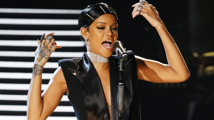 Rihanna to TLC: Ranking the American Music Awards Performances
