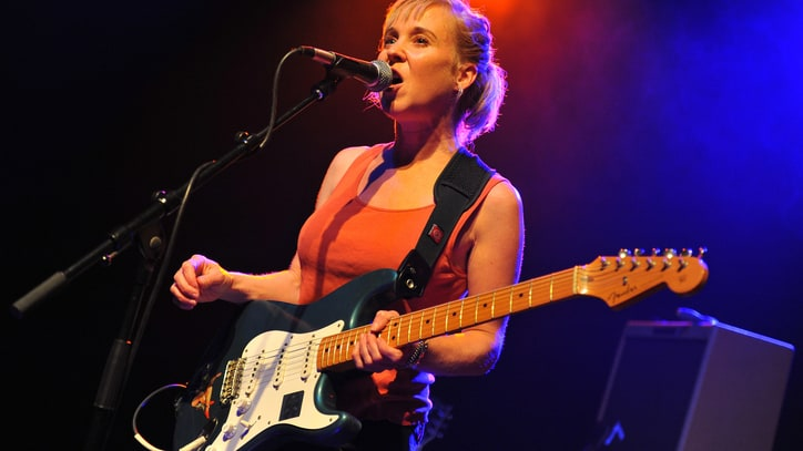 Throwing Muses' Kristin Hersh on Performing: 'I Call It Disappearing'