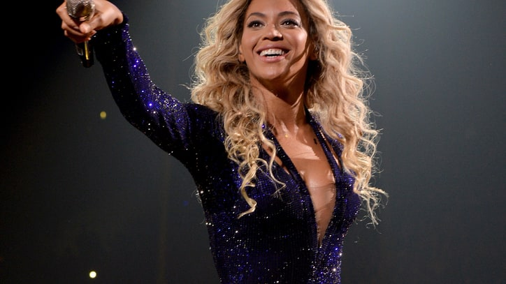 Beyonce Surprises With New Album Release
