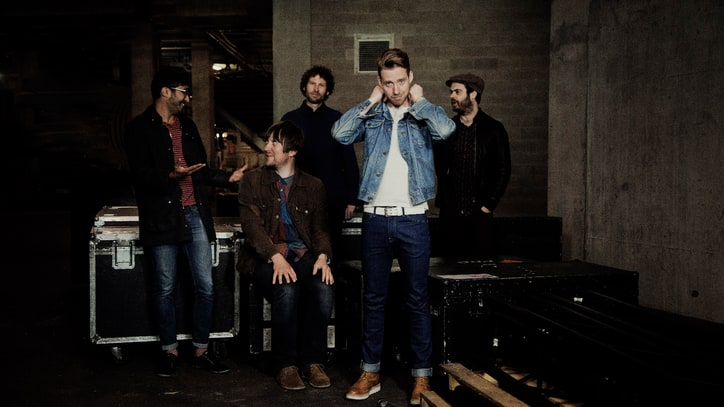 Kaiser Chiefs Celebrate Brotherhood on 'Bows and Arrows' - Premiere