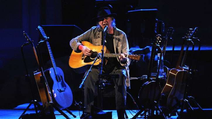 Neil Young Stuns With a Spellbinding Carnegie Hall Show