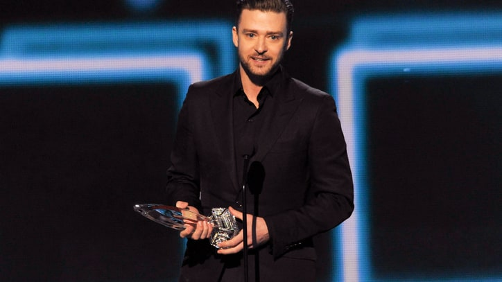 Justin Timberlake, Sandra Bullock Win Big at People's Choice Awards