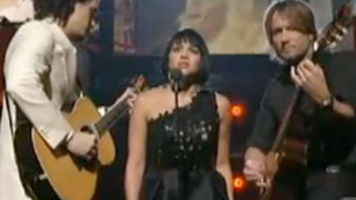 Norah Jones, John Mayer and Keith Urban Perform 'Jolene' To Honor Dolly Parton