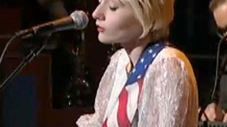 Black Keys Protégé Jessica Lea Mayfield Performs 'Our Hearts Are Wrong' On Letterman