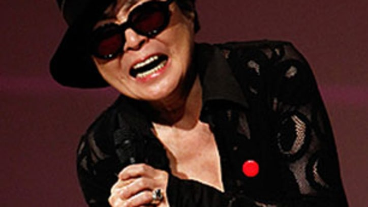 Yoko Ono, Sonic Youth Rock for Japan in New York