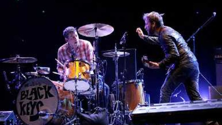 Kings of Leon, Robyn, Black Keys Rock Coachella's First Day