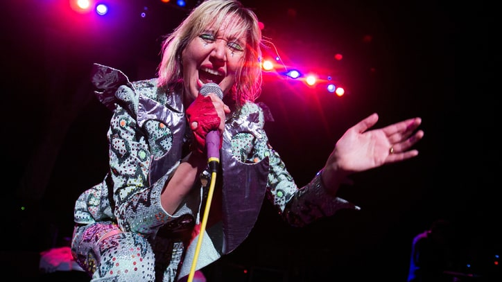 Karen O Makes Over Bob Marley's 'I Shot the Sheriff'