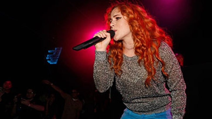 UK Pop Star Katy B Erupts Onto New York Fashion Week Scene