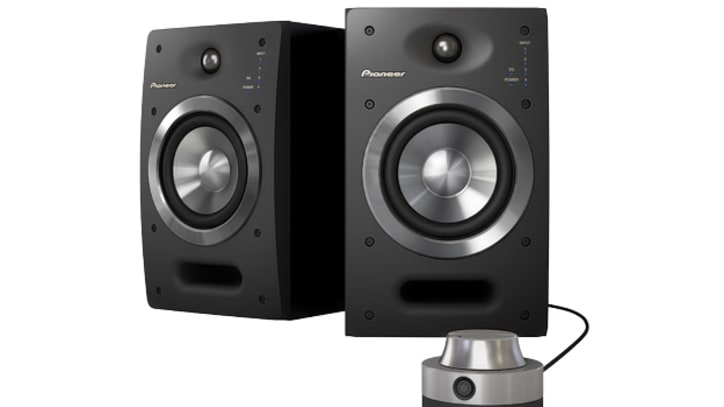 Pioneer S-DJ05 Speakers Offer Pro Sound at High-End Price