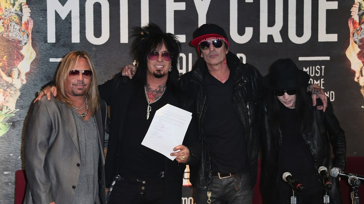 Mötley Crüe Announces Country Tribute Album