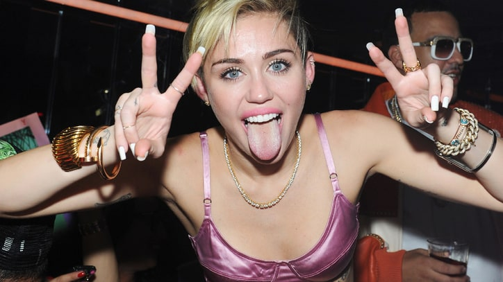 7 Things We Learned From Miley Cyrus' 'W' Interview