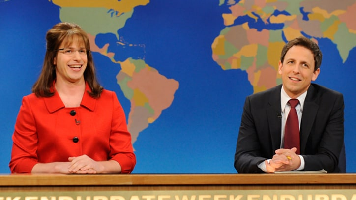 'The Iconic Sarah Palin' Talks 'Game Change' on SNL