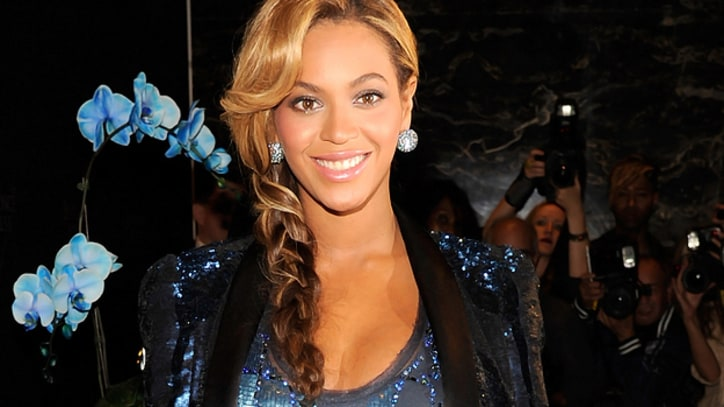 Beyonce's Tumblr Sets Fashion World Atwitter