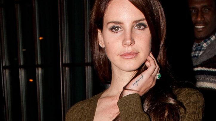 Lana Del Rey Goes Brunette; Her Mulberry Bag Hits Stores Early