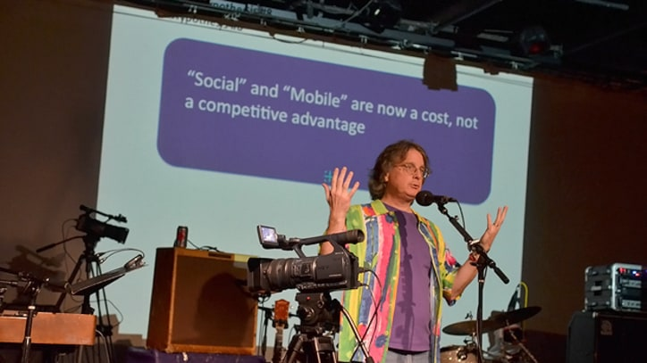 Moonalice Singer Delivers Yale Lecture on Social Media for Bands