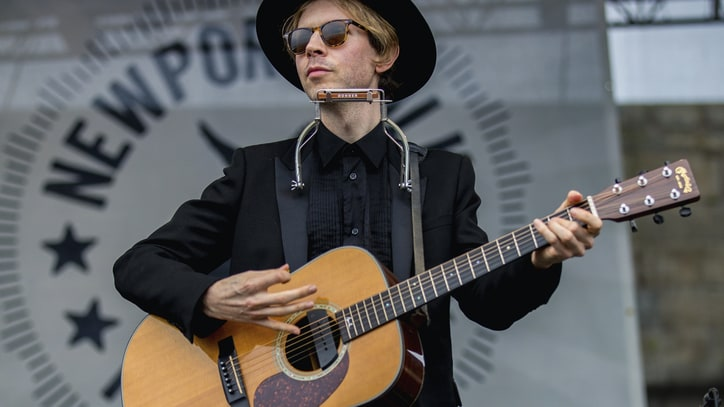 Beck Books Seventh 'Saturday Night Live' Appearance