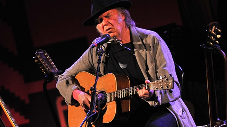 Neil Young Releasing Car-Themed Book Fall 2014