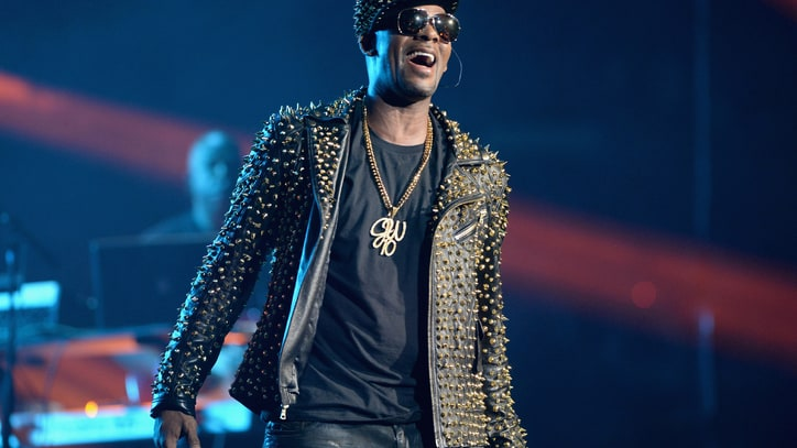 R. Kelly to Drop 'Black Panties' Sequel 'White Panties'