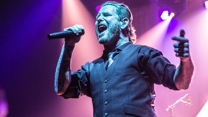 Slipknot's Corey Taylor Sings Ronnie James Dio's 'Rainbow in the Dark'