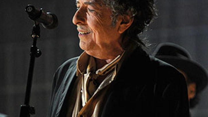 Bob Dylan to Perform His First Show in Vietnam