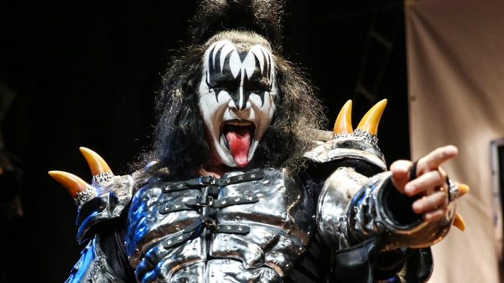 Kiss to Crowdsource Ideas for 40th Anniversary Celebration