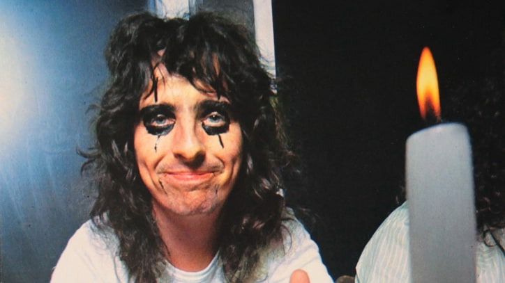 Q&A: Alice Cooper Looks Back – 'Nothing Has Ever Been Too Dangerous'