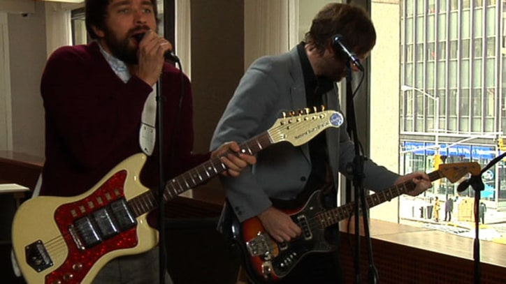 Rolling Stone Live: Peter, Bjorn and John, 'Dig A Little Deeper'