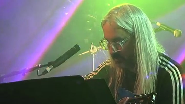 J Mascis Performs 'Ammaring' at SXSW 2011