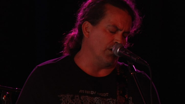 Meat Puppets Perform