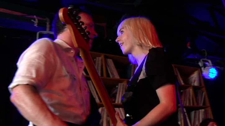 The Joy Formidable Perform 'Cradle' at SXSW 2011