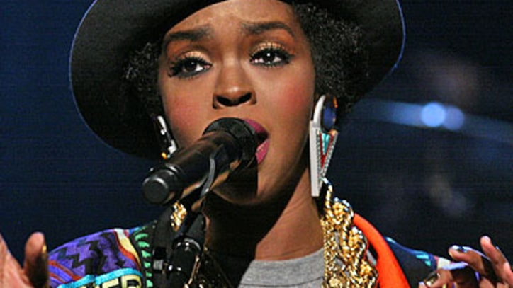 Lauryn Hill Pays tribute to Bob Marley on 'Fallon'