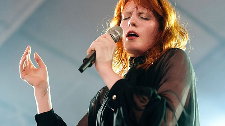 Florence Welch On Getting Sweaty, Forgetting Her Lyrics