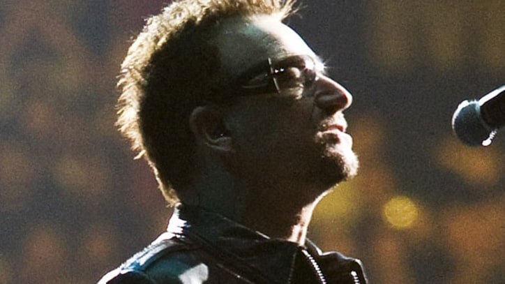 U2 Pays tribute to Clarence Clemons