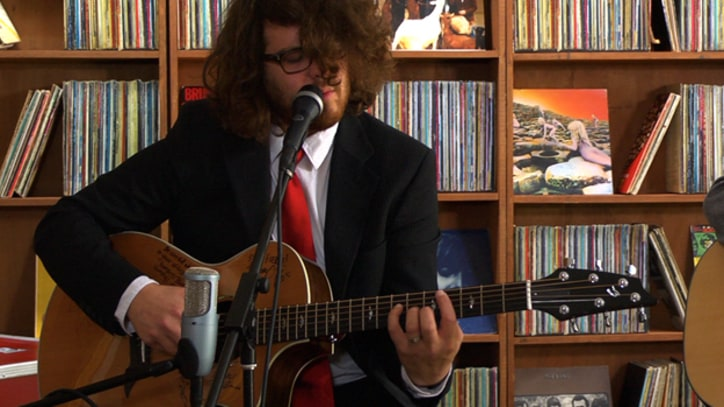 Dale Earnhardt Jr. Jr. Play acoustic tunes and Beach Boys cover