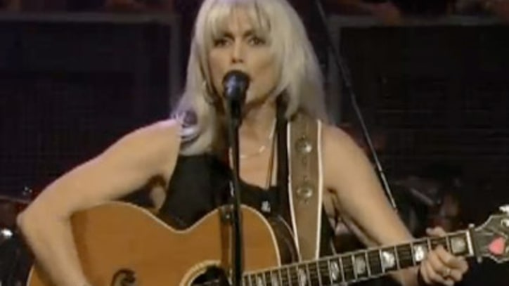 Emmylou Harris Pays tribute to 'New Orleans'