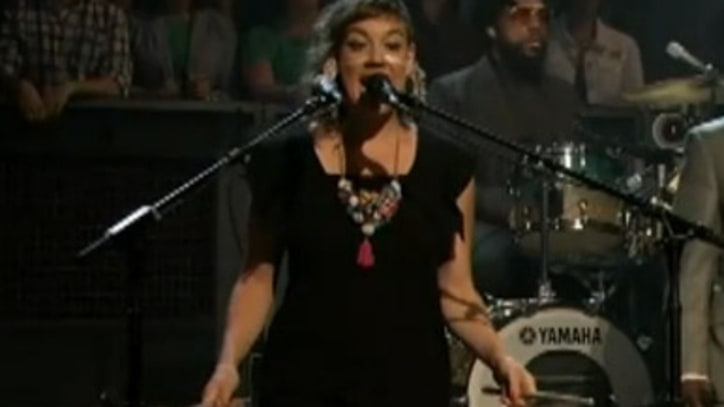 tUnE-yArDs 'Gangsta' with the Roots