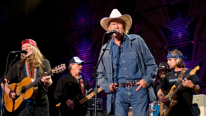 Hear Willie Nelson and Billy Joe Shaver's 'Outlaw' Duet - Premiere