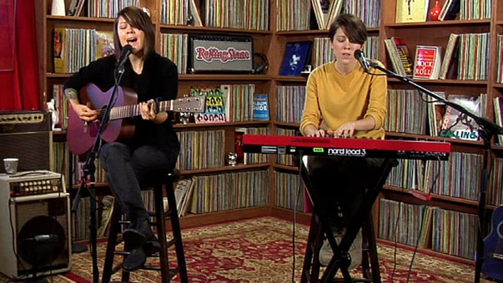 Tegan and Sara Play old favorites from 'Get Along'