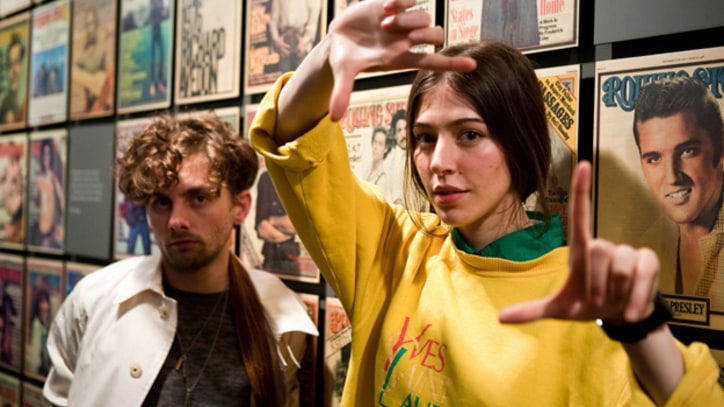 Chairlift  Preview their new song 'Met Before'