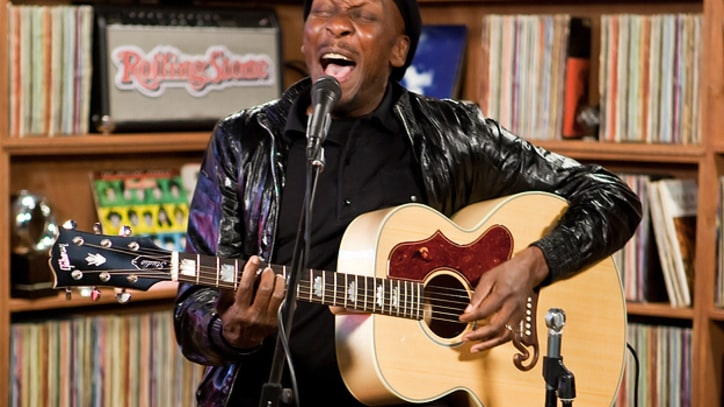 Jimmy Cliff Performs classics at the RS Live studio