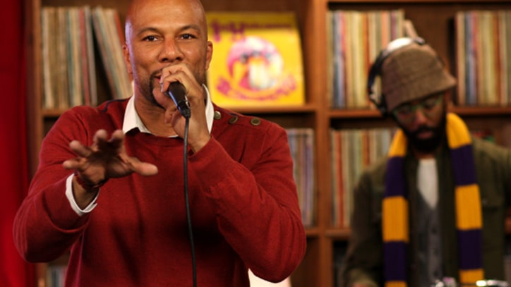 Common Performs 'Blue Sky' at RS Live