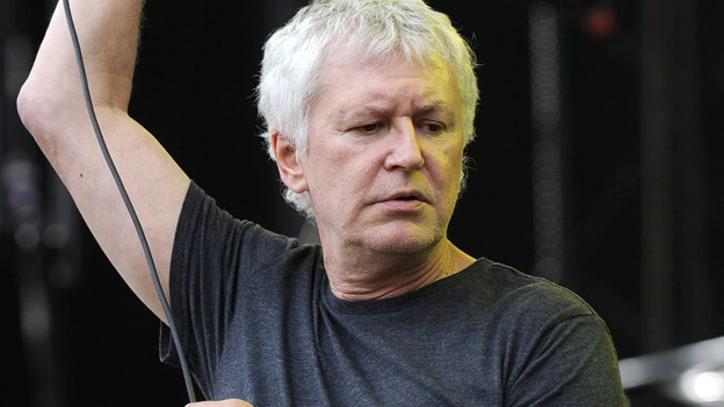 Guided By Voices Perform 'The Unsinkable Fats Domino'