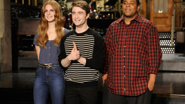 Lana Del Rey Performs  'Video Games' on SNL