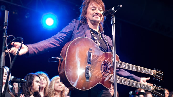 Bon Jovi Guitarist Richie Sambora Debuts Anti-Drug Song 'Lighthouse'