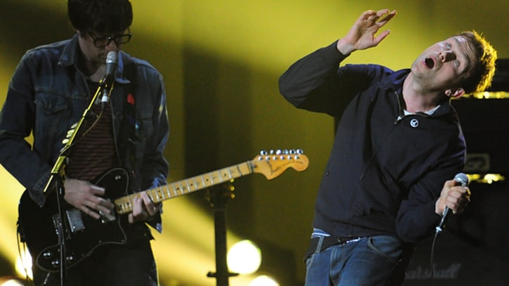 Blur Rock the BRIT Awards